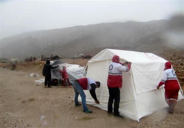 تولید ۶۰ هزار تخته چادر برای استانهای درگیر سیل/ افزایش تولیدات شرکت نساجی هلال احمر