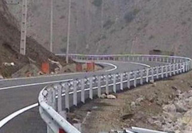بررسی مشکلات راهها و گاز رسانی شهرستان دلیجان
