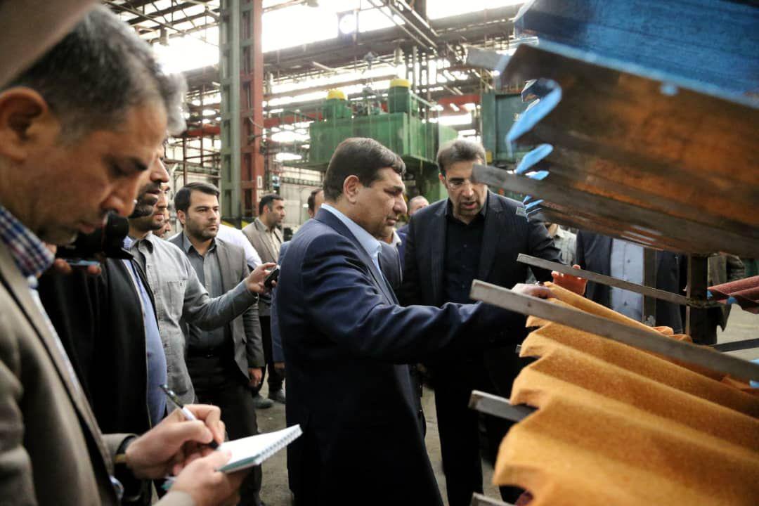 ایجاد ۱۵ هزار فرصت شغلی در استان لرستان/ توزیع ۳ میلیون و ۵۰۰ قلم کالا در مناطق سیل زده کشور
