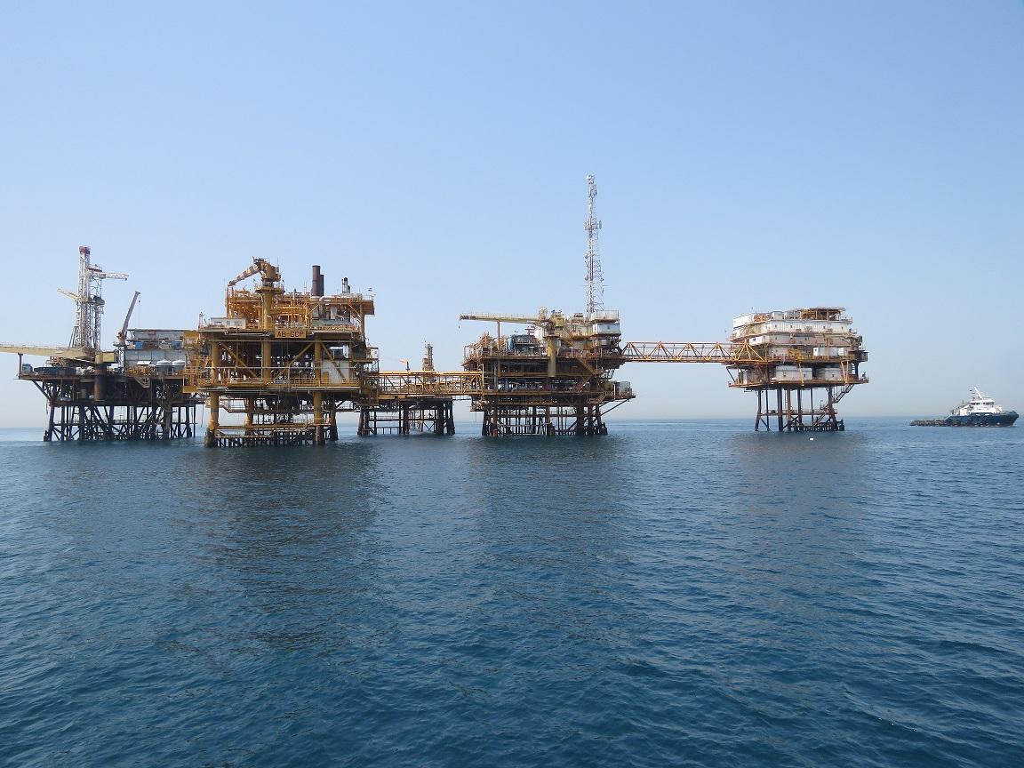 پایش زیست محیطی سکوهای نفتی خارگ