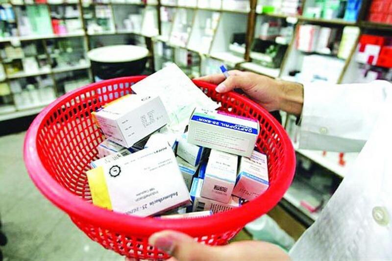 داروخانهها نباید خودسرانه قیمت دارو را تغییر دهند/ در برخی موارد دارو با بستهبندی قدیمی و قیمت جدید عرضه میشود