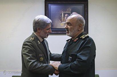 دیدار وزیر دفاع با فرمانده جدید کل سپاه