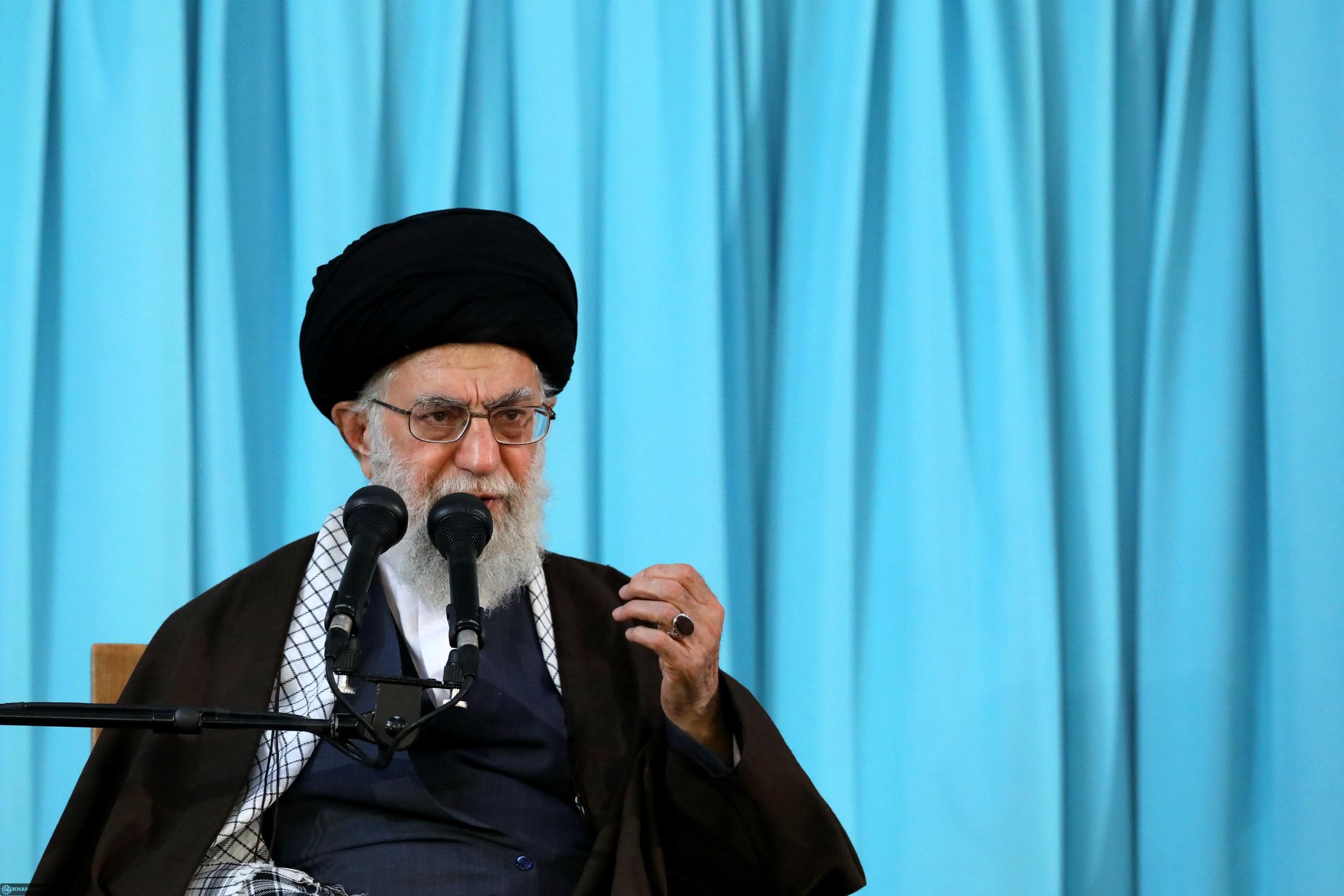 تذکر رهبر انقلاب درباره تشویق قاریان خارجی