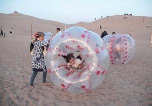 کودکان دیروز و امروز در جشنواره کویر نوردی بهاره بافق لحظاتی شاد را تجربه کردند