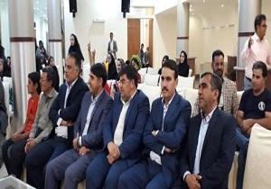دانش آموزان طرح اکرام و محسنین کمیته امداد بافق جشن تولد گرفتند