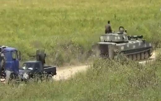باشگاه خبرنگاران -پاسخ ارتش سوریه به تجاوزگری تروریستها در حومه حماه