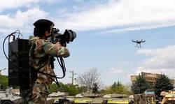 جدیدترین تسلیحات نیروهای مسلح برای مقابله با پهپادهای مزاحم/ پرندههای انتحاری داعش اینگونه شکار خواهند شد + تصاویر