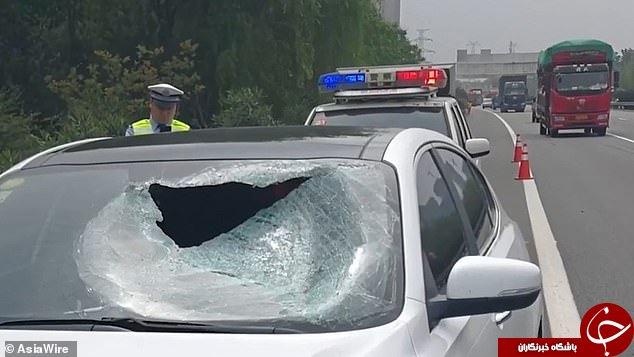 حادثه ای دلخراش در اتوبان که سقوط آهن کامیون رقم زد + فیلم