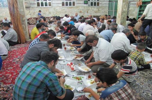 افطاری ساده در مساجد مهدیشهر