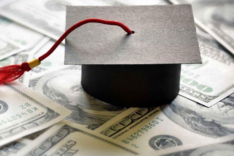 ۷ هزار دانشجوی ایرانی خارج از کشور ارز نیمایی میگیرند/ تحصیل ۳ هزار دانشجوی بینالمللی در دانشگاههای علوم پزشکی