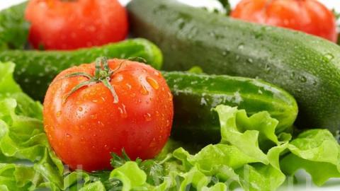 حفظ سلامت چشمها با مصرف مداوم موز/ عوارض و خطرات استفاده از مکملهای غذایی/ دندانهایتان را با زردچوبه سفید کنید