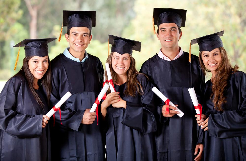دانشجویانی که میخواهند از غربیها غربیتر باشند!/ نگاهی به قوانین پوششی دانشگاههای مطرح دنیا +فیلم و تصاویر