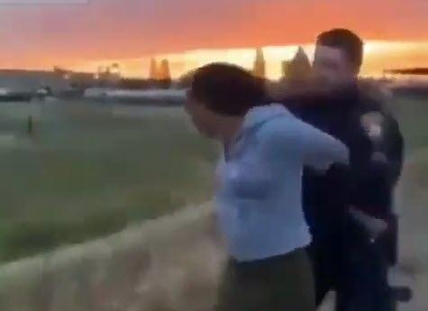 برخورد وحشیانه پلیس آمریکا با زن سیاه پوستی که تخلف رانندگی می کند +فیلم