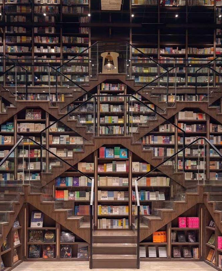 معماری عجیب یک کتابفروشی در چین! +تصاویر