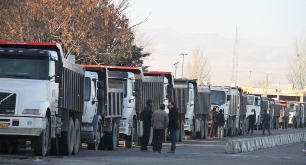 بخشی از مشکلات کامیون داران برطرف شد/ کمبود لاستیک دولتی همچنان گریبانگیر رانندگان!