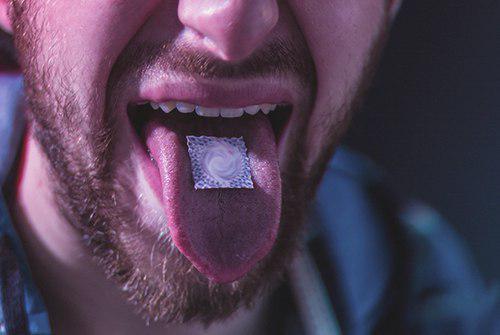 نشانههای مصرف کننده LSD چیست؟