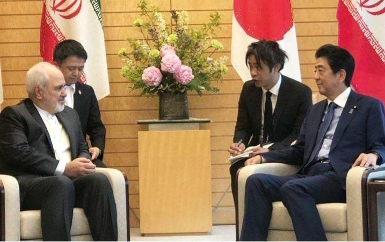 وزیر امور خارجه با نخست وزیر ژاپن دیدار کرد
