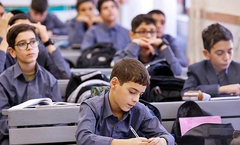 معدل علمی بدنه کارشناسی آموزش و پرورش از معلمان کمتر است/ ۳ گروه در برابر اجرای سند تحول مقاومت میکنند