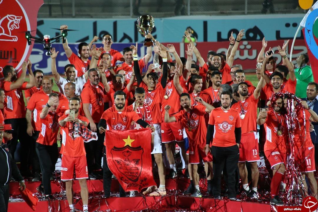 جشن قهرمانی پرسپولیس در ورزشگاه تختی جم +عکس