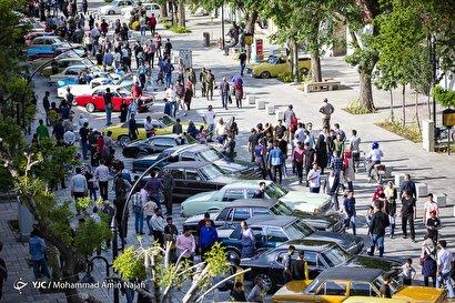 گردهمایی خودروهای کلاسیک در همدان