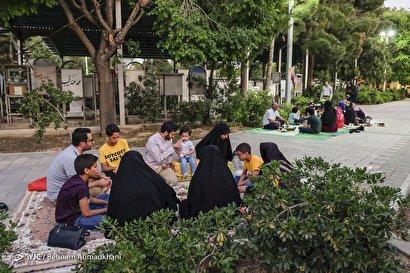 ضیافت رمضان در گلزار شهداء