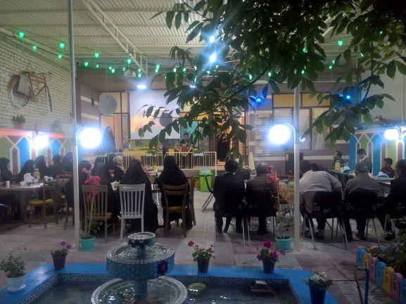 تجلیل از خانواده شهدای مدافع حرم اراک در ضیافت افطار