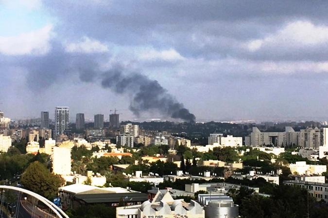 پایگاه نظامی رژیم صهیونیستی در مرکز تل آویو در آتش سوخت