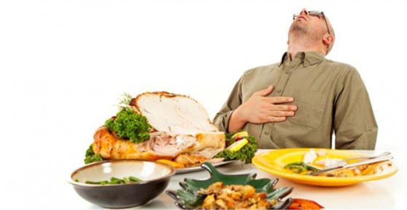 دیر غذا خوردن چه بلایی سرتان میآورد؟
