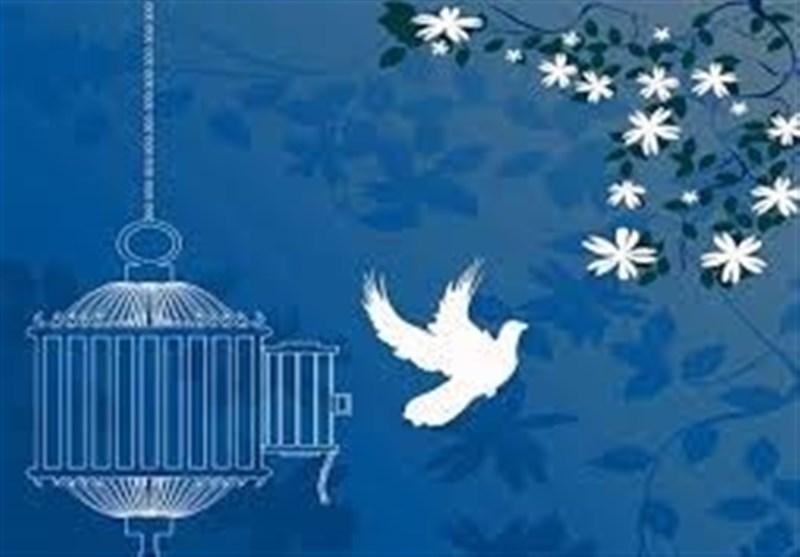 بازگشت ۳ زندانی جرایم مالی به آغوش خانواده / آزادی۳۰۲ زندانی جرایم غیرعمد در سال گذشته