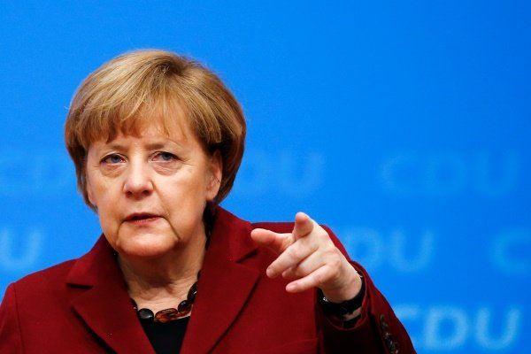 مرکل از اروپاییها خواست در برابر سیاستمداران راست افراطی بایستند