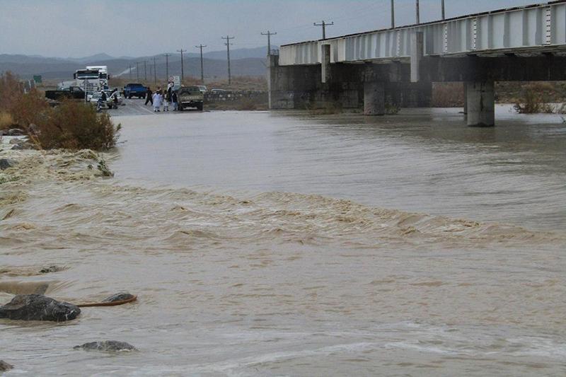سیلاب ۲ محور در جنوب سیستان و بلوچستان را مسدود کرد