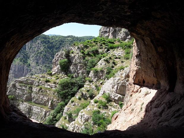 قدیمیترین سکونتگاه تاریخگذاری شده انسان در ایران، کجاست؟