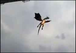 اژدهای آتشخوار در مراسم افتتاحیه بیسبال و بهت حاضران! + فیلم