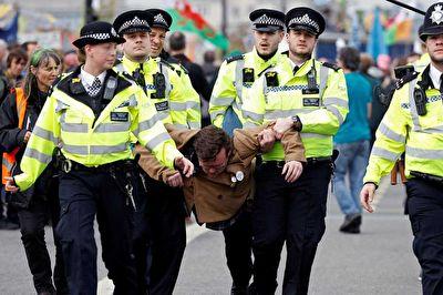 شکستن رکورد بازداشتها توسط پلیس انگلیس + فیلم