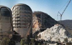 هتلی عجیب در چین که موجب حیرت مسافرانش شد! + تصاویر