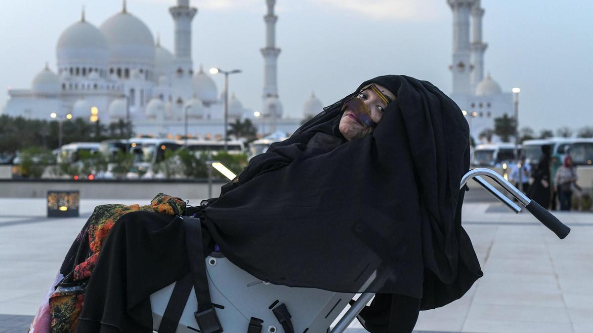 زن اماراتی پس از حدود ۳ دهه از کما خارج شد