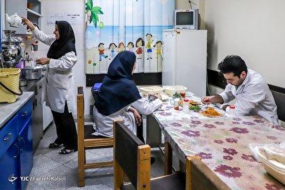 ضیافت رمضان در محیط کار