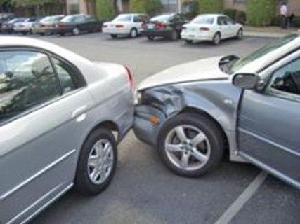 مصدوم شدن ۲۴ نفر بر اثر تصادف/ عدم توجه به جلو بیشترین عامل سوانح رانندگی