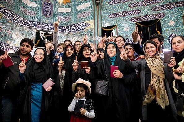 کشورهای دنیا چه محدودیتهایی برای حضور در انتخابات دارند/ از معیارهای جنسی تا ممنوعیت برای دانشجویان و روحانیون دینی