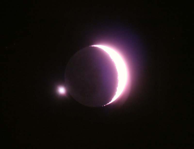 آسمان امشب، میزبان مقارنه ماه و مشتری + تصاویر