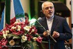 هرگز یک ایرانی را تهدید نکنید/ سعی کنید احترام بگذارید