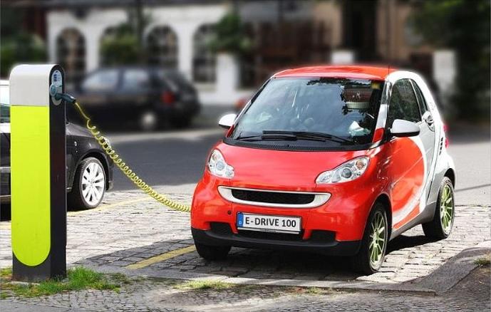 اتومبیلهای برقی؛ خودروهایی ارزان قیمت و پر سرعت که بازارهای جهانی را به دست گرفتهاند