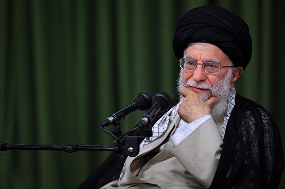 نگران زبان فارسی هستم/ حفظ هویت ملت بسیار مهم است