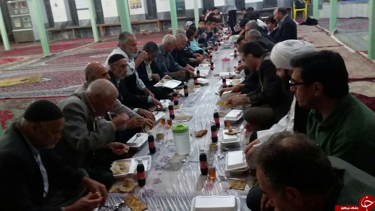 مراسم ضیافت افطار در روستای «جهانآباد» + فیلم