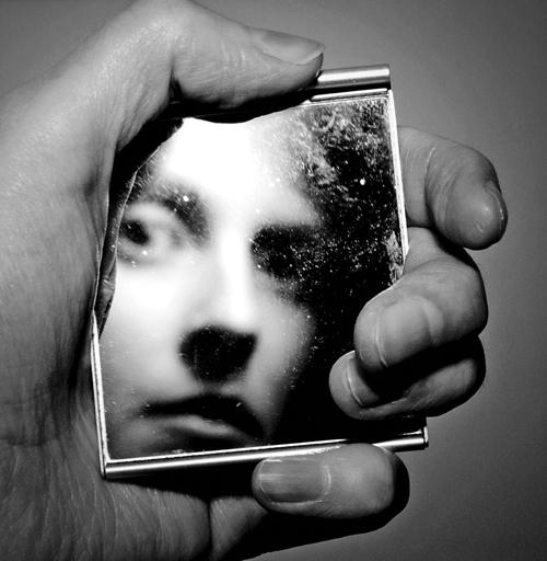 مهمترین سوال در رسیدن به خودآگاهی چیست؟