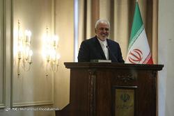 ایران هیچگاه تحت فشار مذاکره نمیکند/ آمریکا دست به بازی بسیار خطرناکی زده است