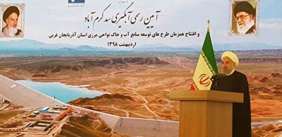ملت ایران در برابر قلدرها تعظیم نمی کند