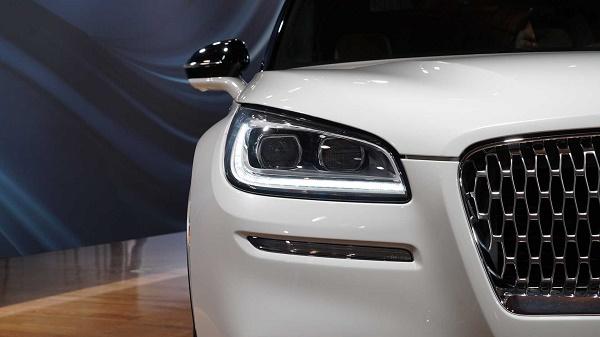 نمایشگاه خودرو نیویورک ۲۰۱۹ / معرفی یک شاسیبلند جذاب دیگر، این بار از طرف لینکلن