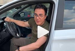 خشم عمو پورنگ از راهکار دوستان برای آینه مسروقه خودرویش +فیلم