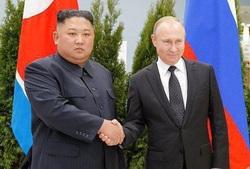 پوتین و کیم جونگ اون دیدار کردند/ تاکید بر حل مسئله شبهجزیره کره در دیدار سران روسیه و کره شمالی+ فیلم